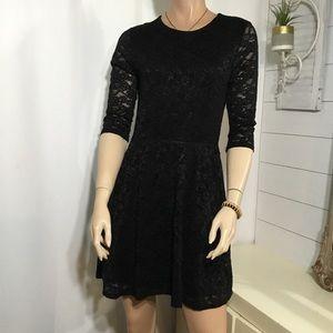 Victoria secret-  Black lace dress (D26